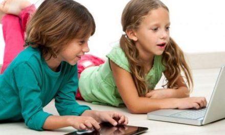 ¿A qué edad empiezan los nativos digitales a usar aparatos electrónicos?