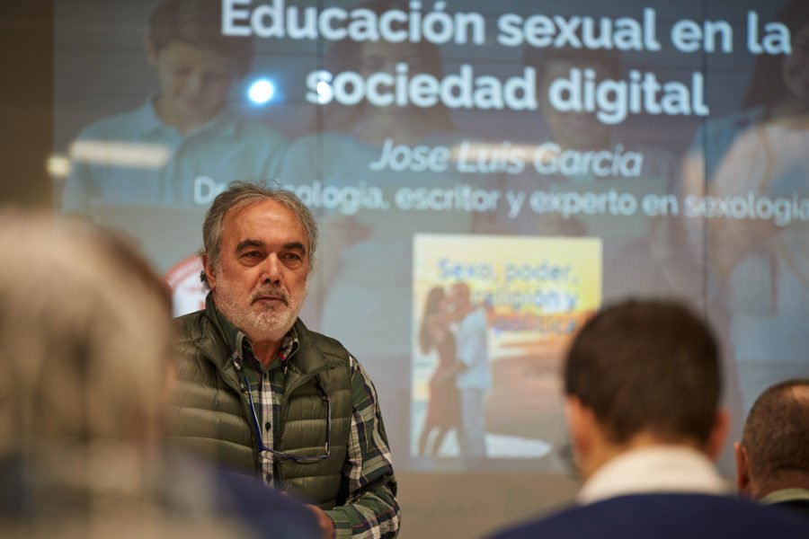 Jose Luis Garcia Educación sexual Segureskola gaptain